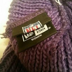 New Era Accessories - Women s Minnesota Vikings stocking hat with pom 90c82ea9f